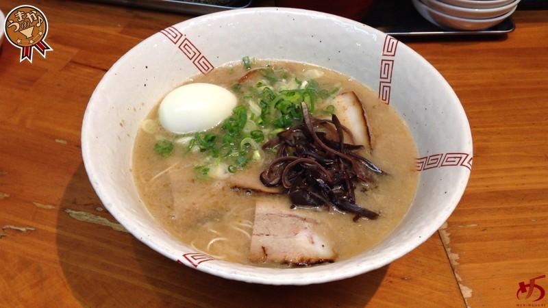 濃厚豚骨スープ&極細ストレート麺。筑紫口の隠れた名店