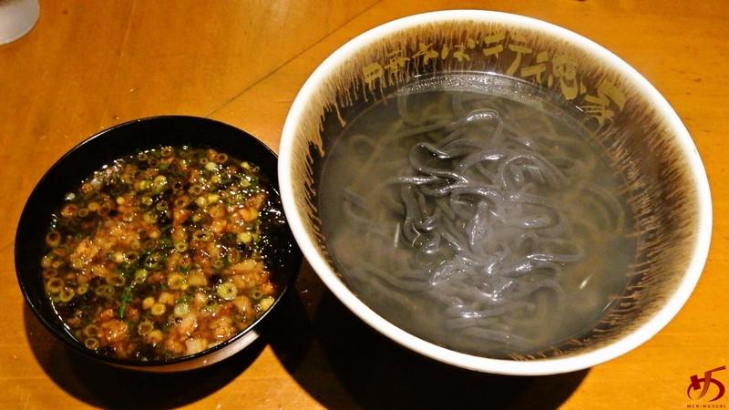 10年熟成味噌が味の決め手。レアメニューの味噌つけ麺