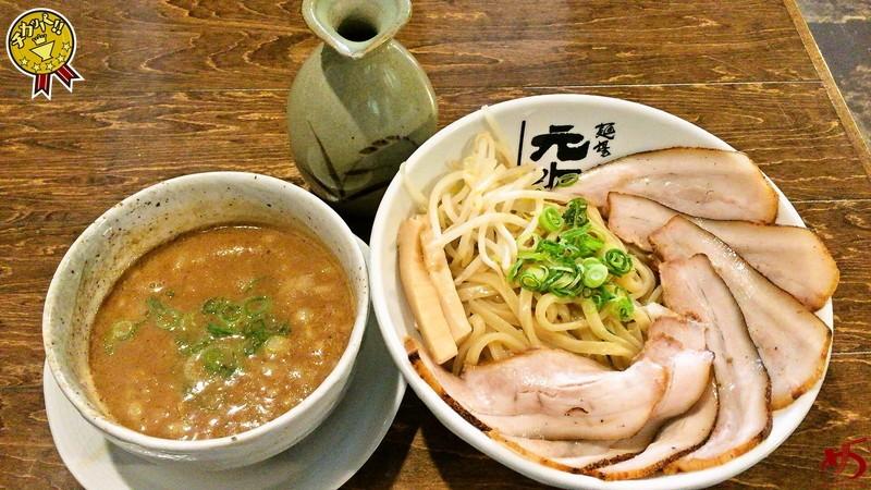 【閉店】無類のとんこつ好きに贈る!これこそ博多の魚介豚骨つけ麺