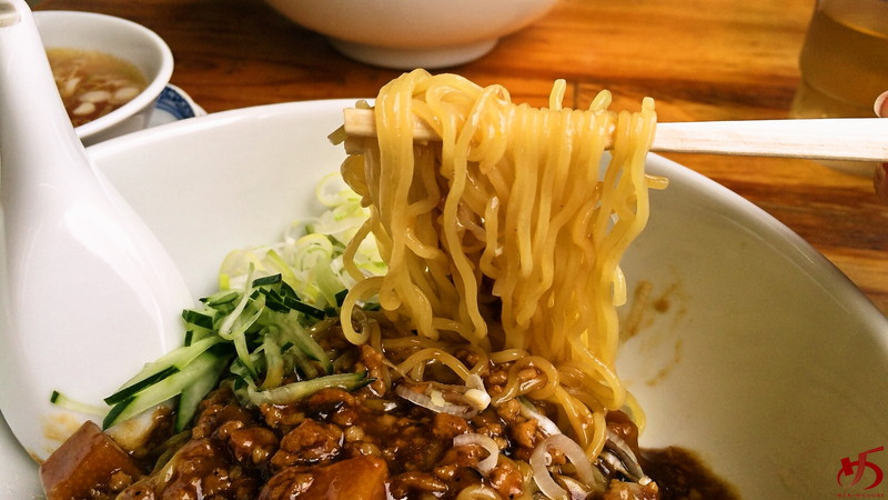 黄金の福ワンタン まくり 飯倉本店 (3)