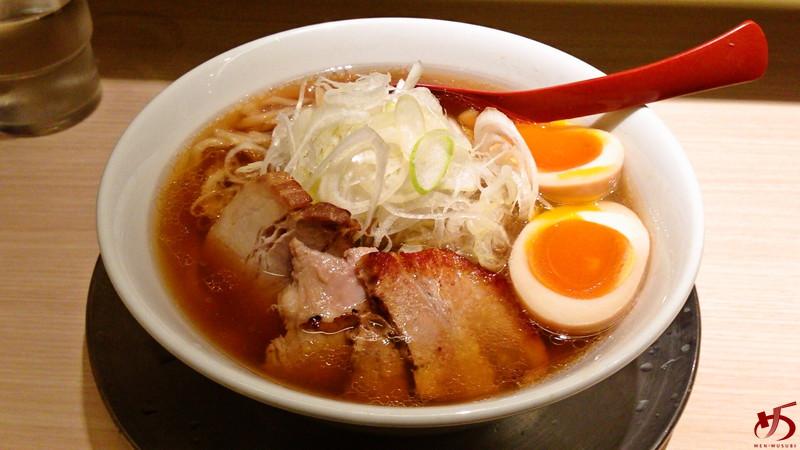 参考 麺や 七彩 特製 喜多方らーめん 醤油