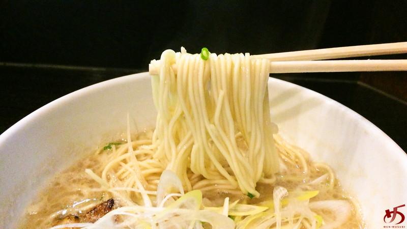 ラーメン海鳴中洲店 (4)