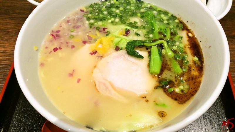 博多鶏ソバ 華味鳥 (14)