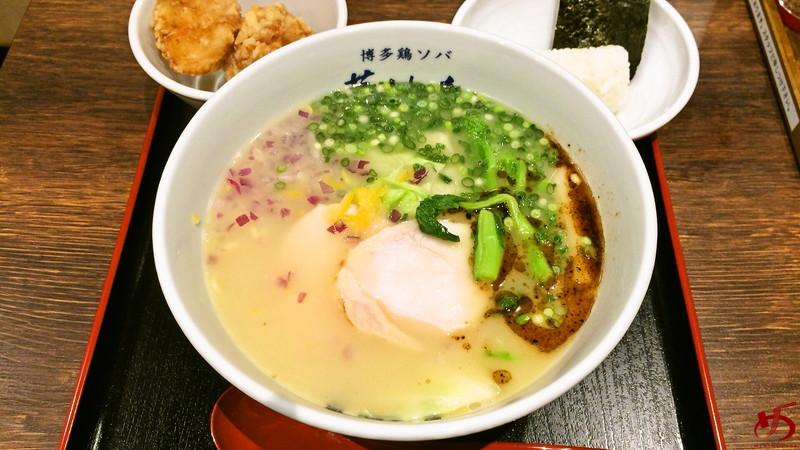 博多鶏ソバ 華味鳥 (13)